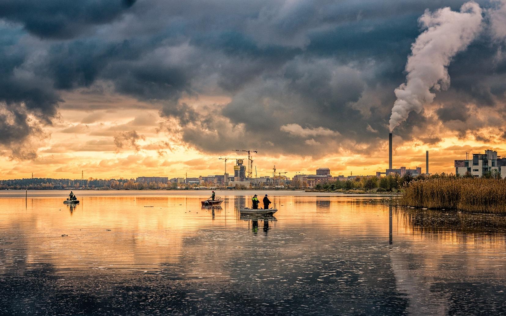 Pollution scene. Carlos-grury-santos-5Yn9aQo08nc-unsplash-1