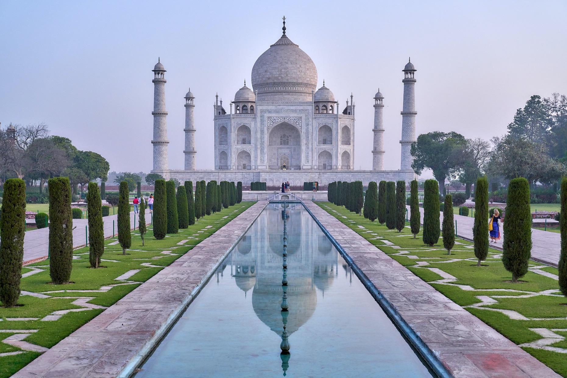 Taj Mahal. Photo by Julian Yu on Unsplash.